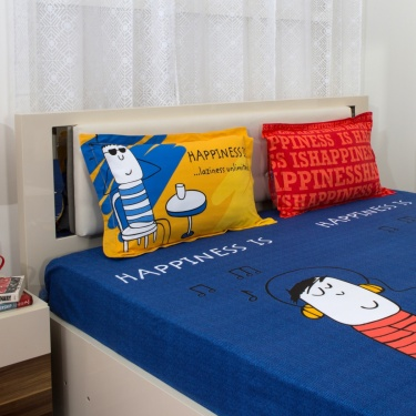 PORTICO HAPPINESS IS Doodle Print Super King Size Bedsheet And Pillow Cover Set