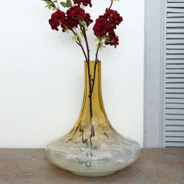 Splendid Embossed Glass Vase
