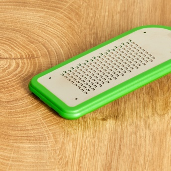 VICTORINOX Grater with Handle