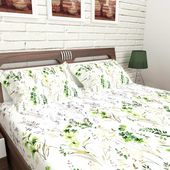 MANDARIN Cotton Floral Print Double Bedsheet And Pillow Covers-1+2