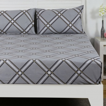 Maspar Fracs Checked Cotton Double Bedsheet with Pillow Covers- 3 Pcs.