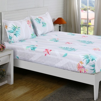 Maspar Giada Floral Print Cotton Double Bedsheet with Pillow Covers- 3 Pcs.