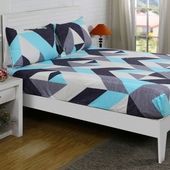 Maspar Julan Geometric Print Cotton Double Bedsheet with Pillow Covers- 3 Pcs.