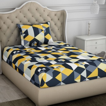 SPACES Geometric Print Double Bed Sheets - Set of 2 Pcs.